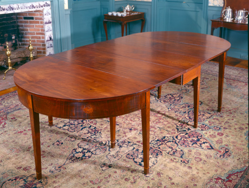 http://dev.newportalri.org/files/original/1999.392 Townsend Dining Table.jpg
