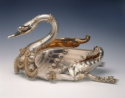http://dev.newportalri.org/files/original/1999.1050 Silver Tiffany Swan.jpg