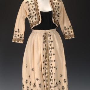 http://newportalri.com/files/original/2006.709 skirt suit.jpg